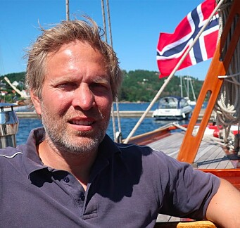 KTK stifter og formann i jubileumsåret, Peter Ennals om bord i sin 12-meter «Kryss».