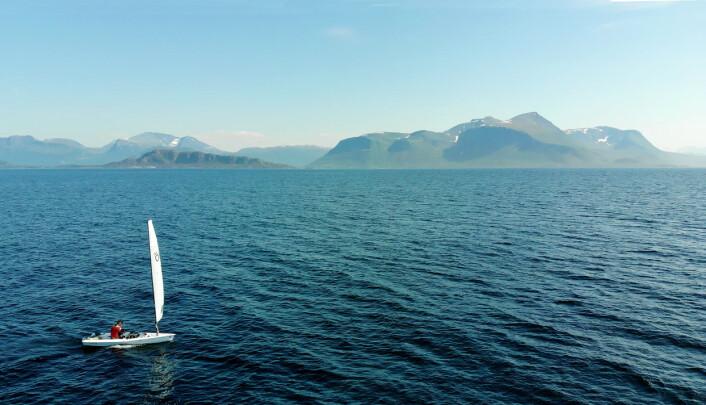 NATUR: Magne Klann har oppdaget en ny form for seiling, og brukt jolle for å oppleve Norge på sitt beste.