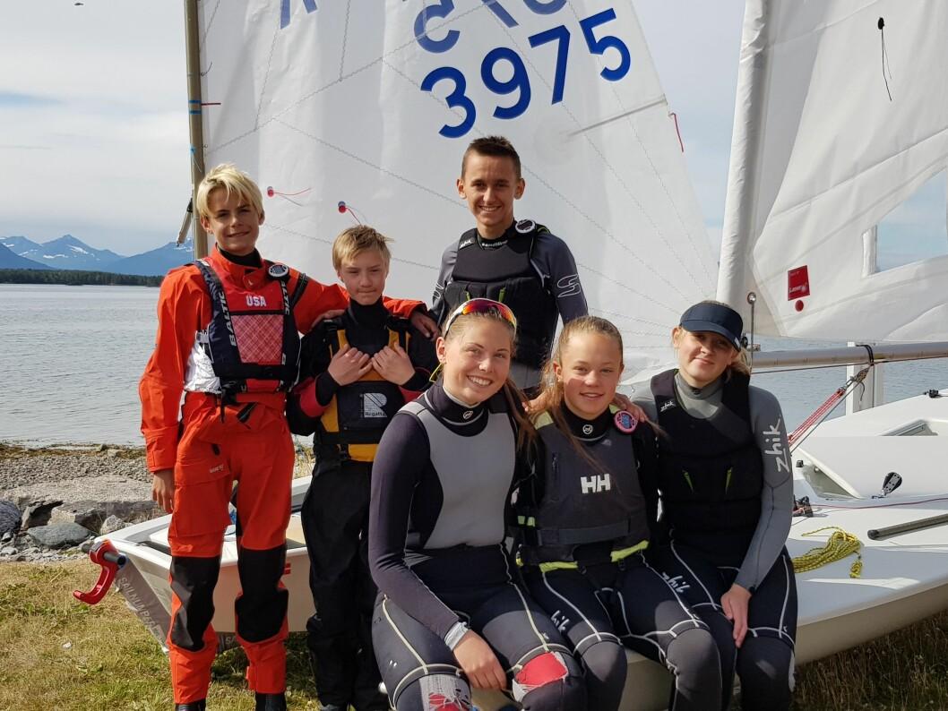 ÅLESUND: Bak fra venstre: Erik Bøen, Georg Grønfur, André Fugledal. Foran fravenstre: Ingrid Bøen, Maja Moen, Ingrid Giske Søvik.