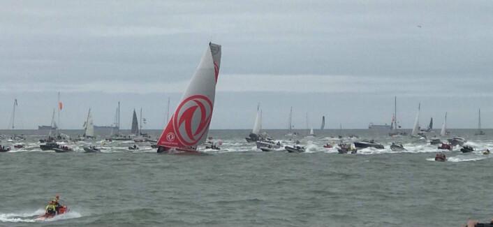 HAAG: EM i Optimist foregikk på samme sted som avslutningen av Volvo Ocean Race. Overallvinneren «Dongfeng» var også først i mål.