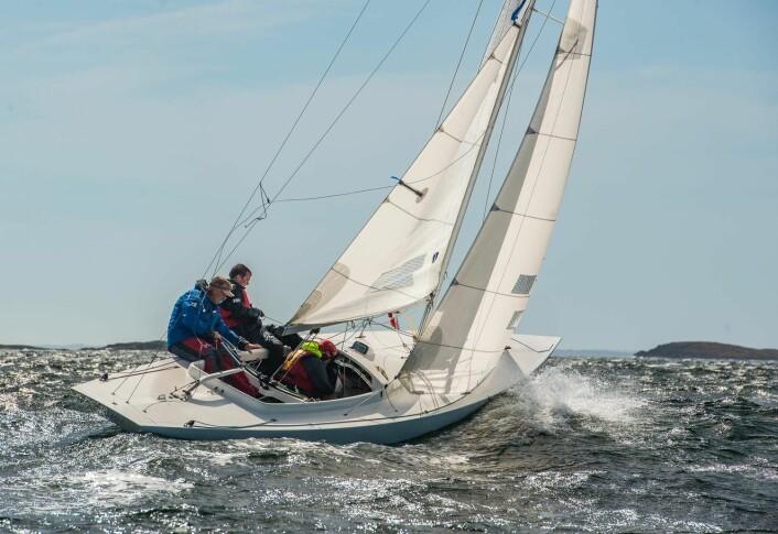 EKSPERTISE: Mye ekspertise var på plass om bord i vinnerbåten i Drake, som ble styrt av Espen Guttormsen.