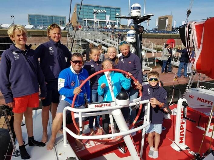 MAPFRE: EM-laget ombord i den spanske Volvo Ocean Race båten Mapfre sammen med trener Bård Birkeland.