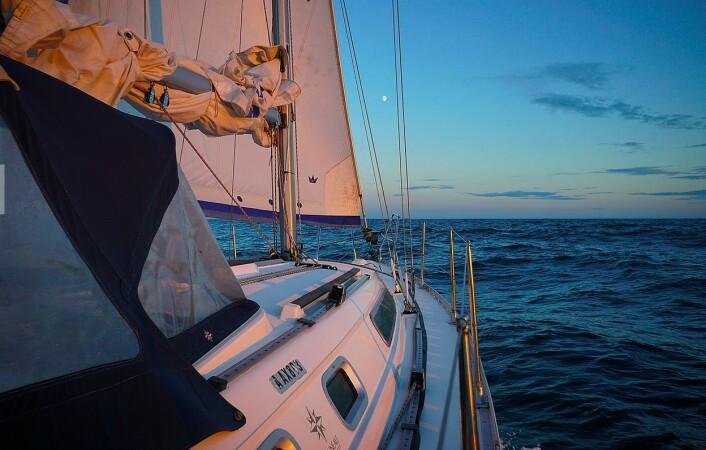 NORDOVER: «Pelagica», en Jeanneau Sun Odussey 34,2 på vei  mot nord.