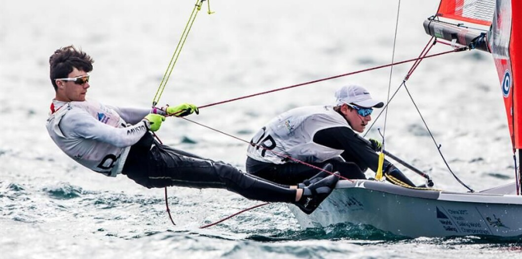 Mathias Berhet og Alexander Franks-Penty kan bli verdensmestere  i 29er