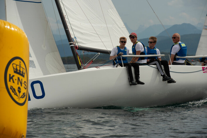 SUVERENE: Florø Seilforening var i en klasse for seg og vant samtlige seilaser i 1. divisjon.
