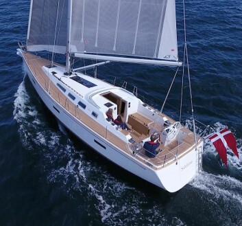 ELEGANT: Faurby 460E er konstruert av den danske designer Lars Olsen fra CDE Danish Marine Design.