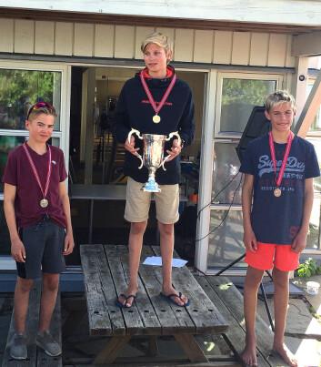 VINNERE: Gull til Markus Berthet. Balder Støen tok sølvet på hjemmebane mens Erik Bøen fikk bronse.