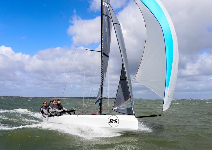 SPREK: RS21 er en jolleaktig kjølbåt utviklet for seilforeninger.