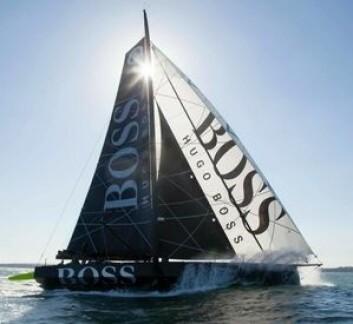 KLAR: Hugo Boss med Alex Thomson som skipper rakk akkurat start, men engelskmannen har ikke fått den oppkjøringen som ønsket.