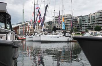 SEIL: Seilbåtene drukner av antall motorbåter under Båter i Sjøen, men i år er kommer det flere seilbåter enn i 2017 og 2016.