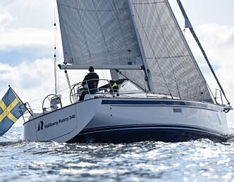 Les tester av båter utstilt på Aker Brygge