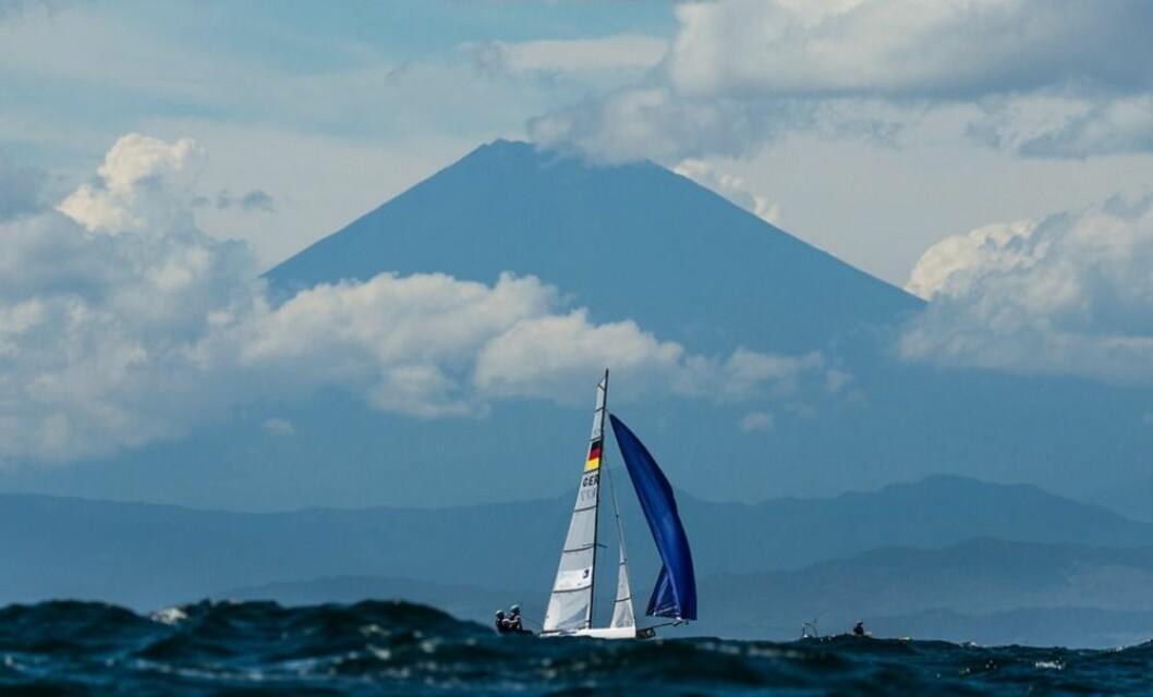 OL banen i 2020 på Sagami Bay med MountFuji i bakgrunnen