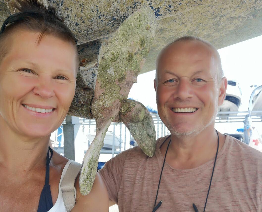 JOBB: Even Øiestad og Marianne Aasgaard har fått båten på land, og har startet ombygging til en fossilfri båt.