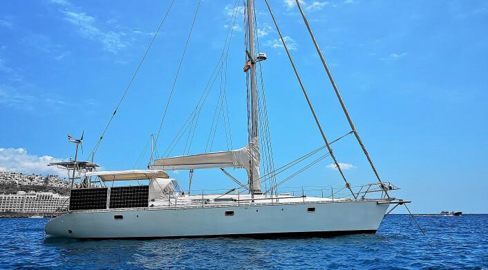 49FOT: Paret seiler en Atlantic 49, bygget i Hellas i 1995.