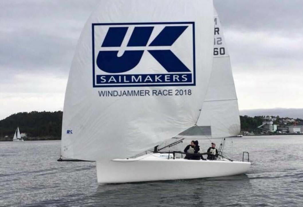 PREMIE: Du kan vinne en helt ny spinnaker til båten din i UK Sailmakers Windjammer Race.
