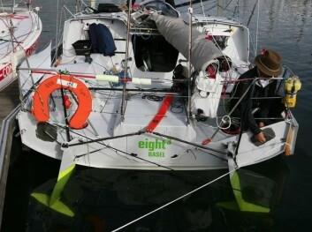 FOILER: «Eight3» har også foiler på rorene, noe IMOCA 60 båtene ikke har.