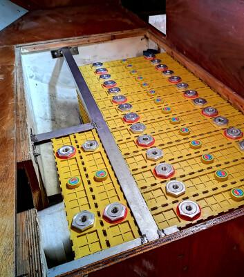 ENERGI: Elmotoren får strøm fra en batteribank på 38,5 kWh. Batteriene er av typen Winston som alt finnes på flere norske langturbåter.