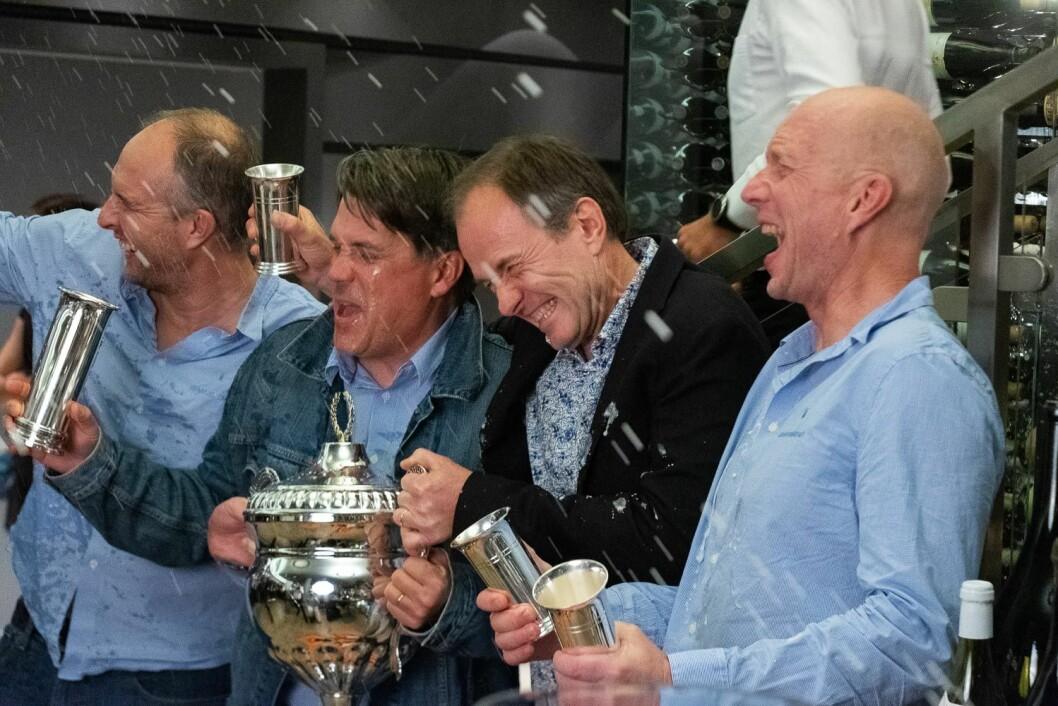 ENDELIG: Etter mange forsøk kunne (fra venstre) Sigurd Hekk Paulsen, Kristoffer Spone, Christen Horn Johannessen og Børre Hekk Paulsen juble over å ha vunnet kongepokalen.
