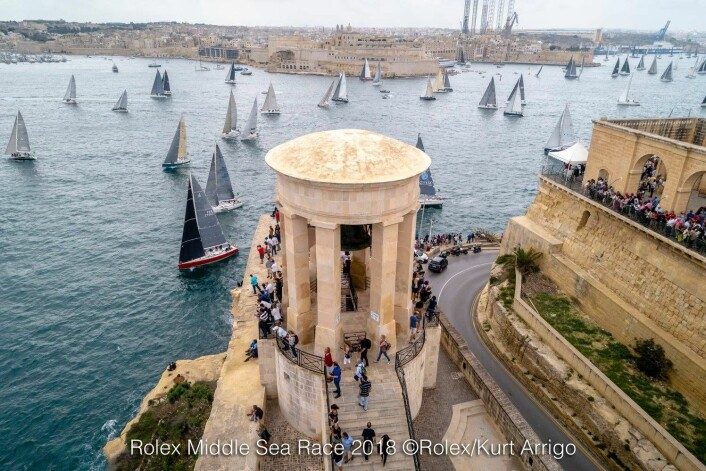 START: Regattaen holdes i historiske omgivelser. her fra starten fra Malta.