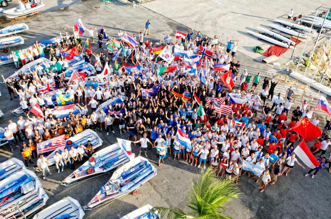 80 NASJONER: Det deltok 80 nasjoner under junior-VM, men én nasjon manglet. Israel.
