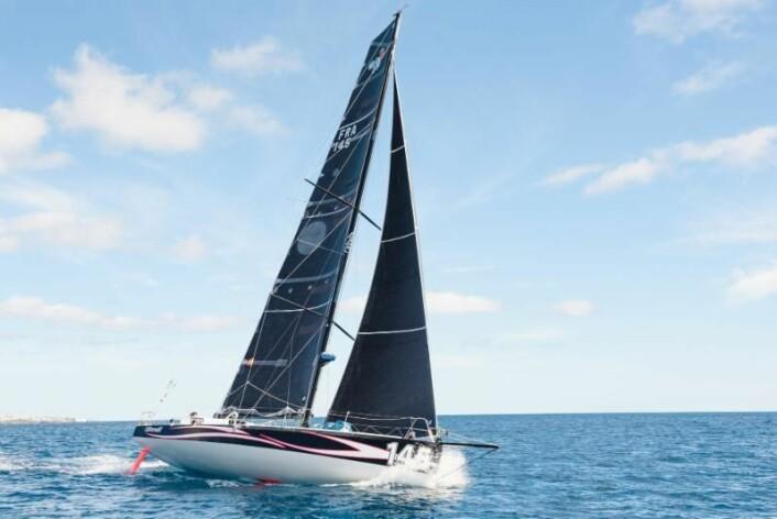 CLASS40: «Earendil» ledet på «Hydra» i går. Båtene går veldig likt.