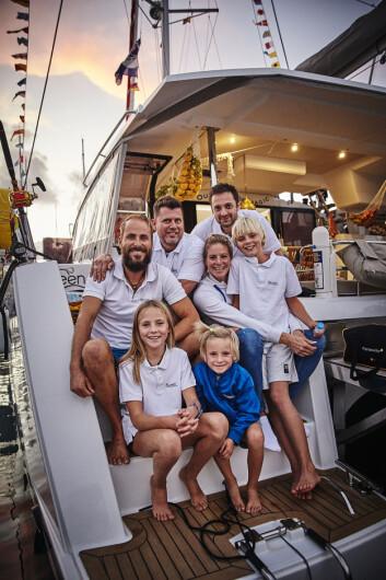 BARN: Familien Farstad seiler en av to norske katamaraner, og er eneste barnefamilie i vanlige ARC.