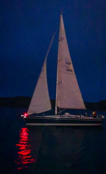NATTSEILAS: Seiling i mørke i Bodø.