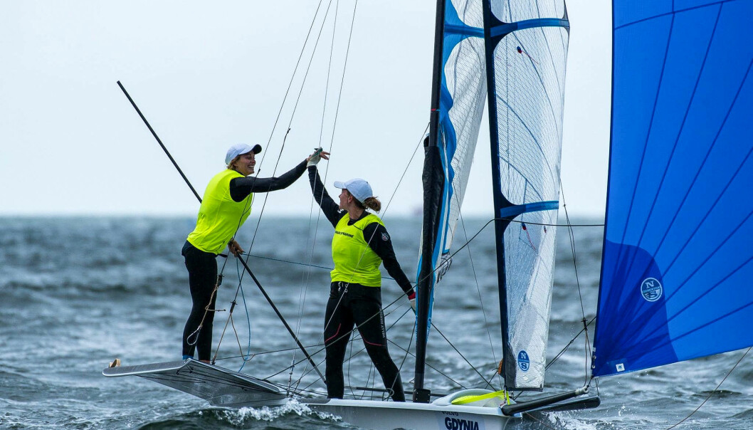 49ER FX: Marie Rønningen og Helene Næss på rett vei mot OL.