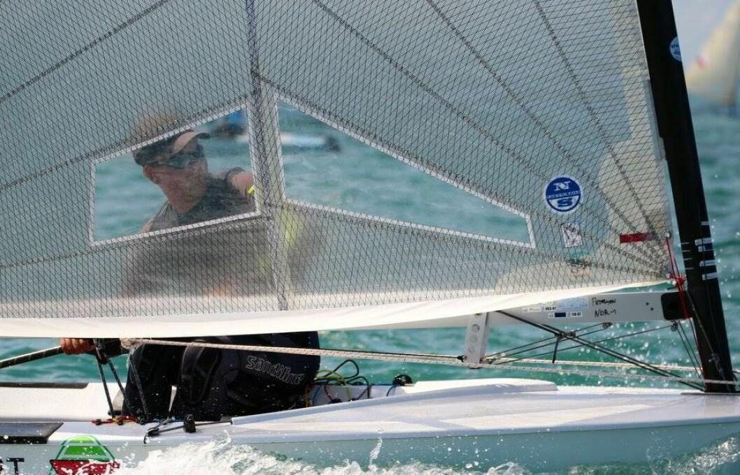 VANT: Anders Pedersen vant en av seilasene og det bidro til å sikre ham en plass i medaljefinalen.