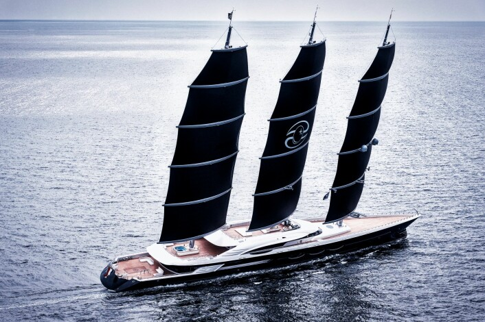 ENROM: «Black Pearl» er 347 fot og har en effektiv seilføring som skal gi hastigheter opp mot 30 knop.