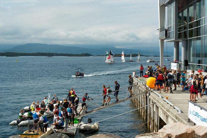 MERSMAK: Å arrangere seilsportsligaen har skapt engasjement og gitt mersmak i Molde.