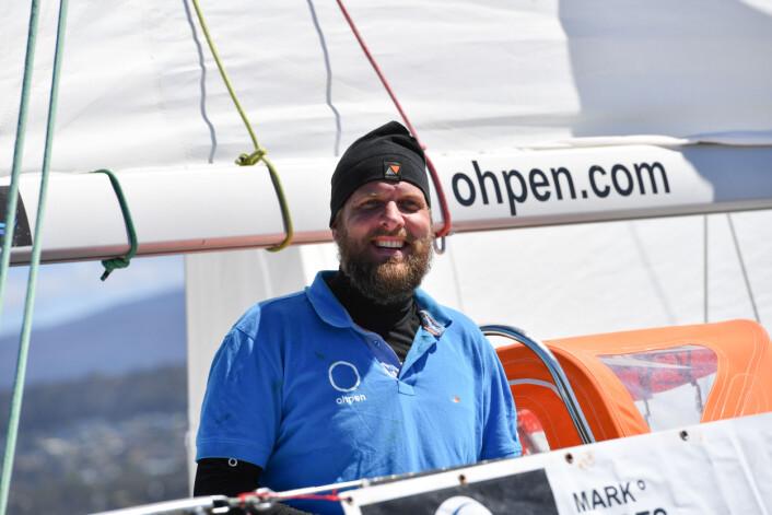 INNSPURT: Mark Slats ligger bare 49 nm bak lederbåten, men må seile en omvei for å få medvind.