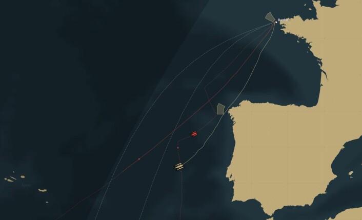 KURS: Spindrift er vest for Lisboa etter ett døgns seiling. De har så langt holdt en mer direkte kurs.