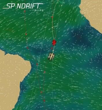 STILLEBELTET: «Spindrift 2» hadde gunstige forhod gjennom Stillebeltet og holdt farten høy. Nå seiler den inn i den sørlige passatvinden.