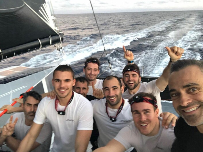 REKORD: «Spindrift 2« seilte rekordraskt til ekvator.