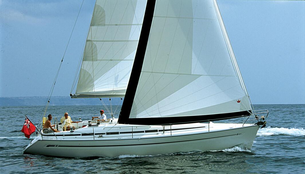 BAVARIA: 38AC kostet fra 895 000,- da den var ny. Arve kjøpte en slik brukt for 680 000..