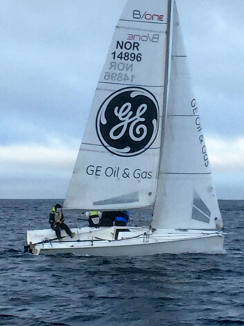 JUNIORER: Noen av seilforeningens dyktige juniorseilere, med norgesmester Olai Hagland ved roret, brukte en av seilforeningens to B-one båter. De plasserte seg på en hederlig 8. plass i regatta-klassen.