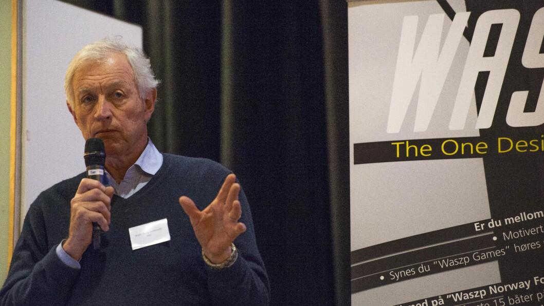TALERSTOL: En av de beste mulighetene man har til å påvirke utviklingen av seilsporten i Norge, er å stå på seiltingets talerstol. NSFs president Jørgen Stang Heffermehl er en av dem som har benyttet den.