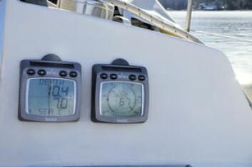 KALIBRERT: Med en kalibrert logg finner du strømmen ved å sammenligne farten gjennom vannet fra logg (STW), mot farten på GPSen. Farten fra GPSen er over land (SOG).
