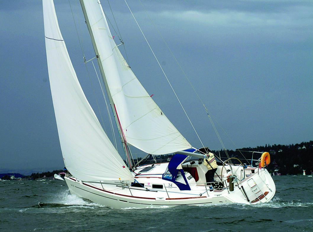 KULING: Dufour 34 testet i frisk vind i Indre Oslofjord i 2003
