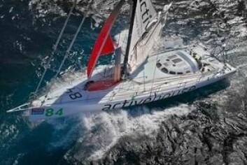 OPEN60: «Galacticviking» er endelig klar for regatta. Skipper Bjørn William Lindgren skal ha seilmaker Terje Wang om bord.