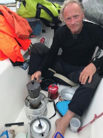 ENKELT: Trimaranen Multi 23 byr på seiling på en ny måte.