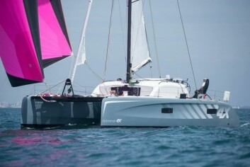 RORKULT: Outremer har stoler for rormannen, slik som regatta-trimaranene. Outremer 4X har både ratt og rorkult-styring.