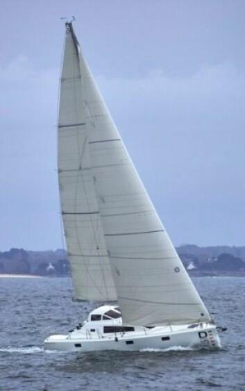KLASSISK: Første båt har en tradisjonell rigg. Båten vil kle en karbonmast med fathead-storseil.