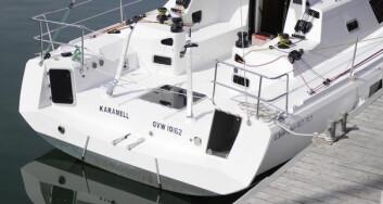 BESKYTTET: Cockpiten har mye til felles med Class40. Båten er utstyr med rorkult.