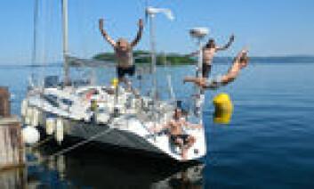 SOL: Navmet på båten skal byttes til «Solskinn», og det passet bra når Seilas var å tok en prat.