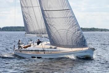 RIGG: Første båt har rullemast.