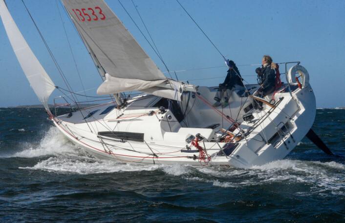 SUNFAST: Eira Naustvik skal seile solo rundt Fyn i september.