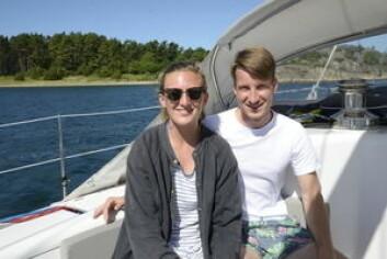 FERIE: Steph Baker fra Sør Afrika og Christoph Wuensche fra Tyskland koser seg langs kysten, og får samtidig opparbeidet seg erfaring.