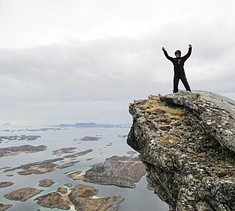 TOPPTUR: Rødøyløva på Rødøya er en attraktiv og relativ enkelt topp å komme opp på. Og for en utsikt.